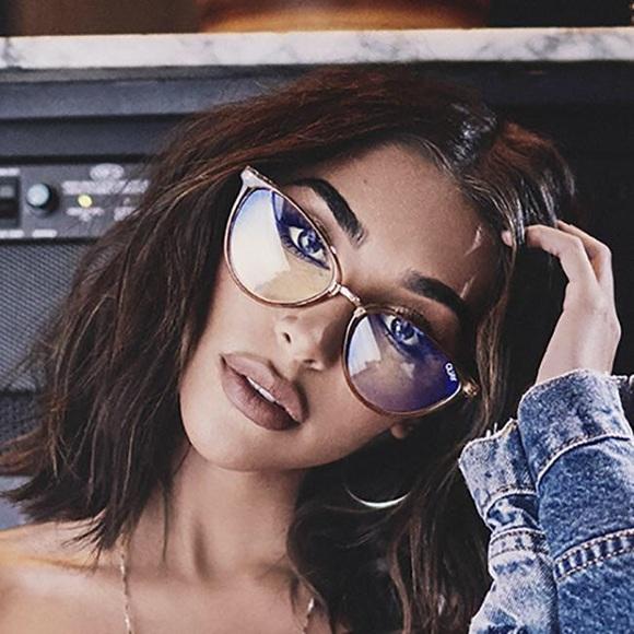 baeba33dbfa30 NWT Quay Rumours Blue Light Glasses. NWT. Quay Australia